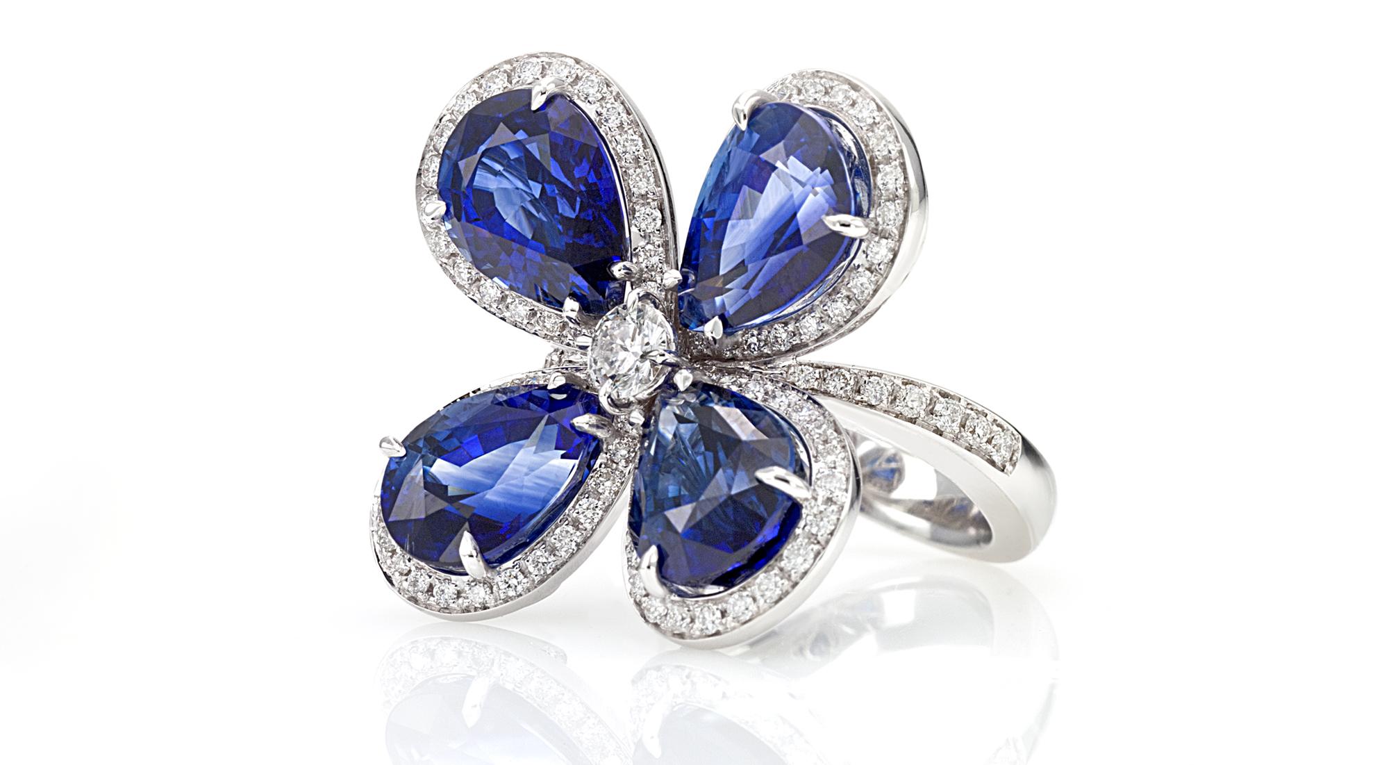 anello fiore zaffiri